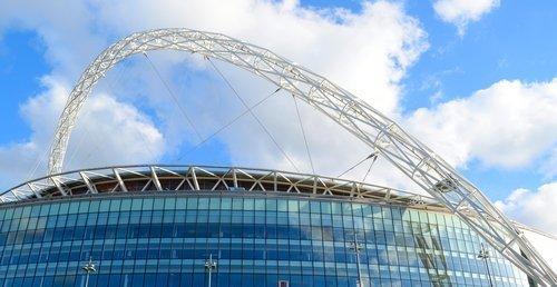 10 самых красивых стадионов Англии